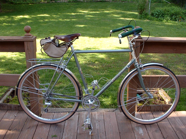 Green commuter bicycle